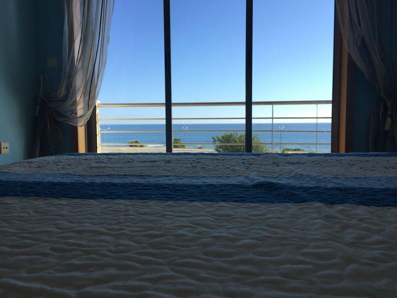 Blanche Apartment, sea view by Rent4All, location de vacances à Figueira da Foz