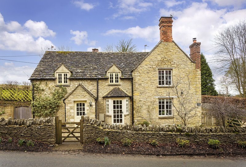 Hope Cottage (Quenington), vacation rental in Fairford