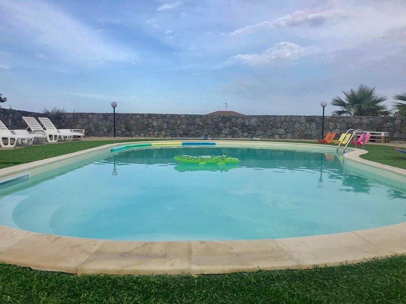 Il rustico casale con piscina a pozzillo per 15 persone vicino taormina updated 2019 catania - Hotel con piscina catania ...