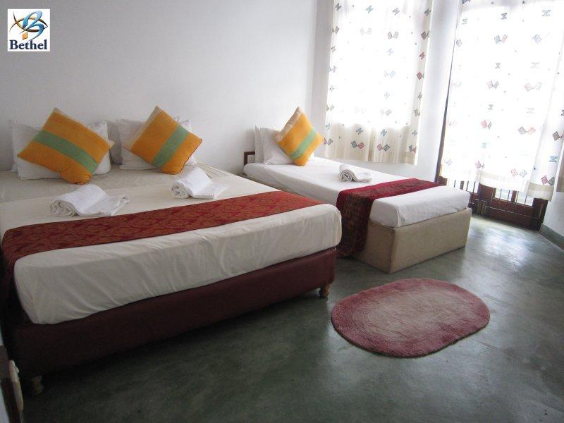 Bethel Rest Kandy - Deluxe Triple Room, casa vacanza a Hantana