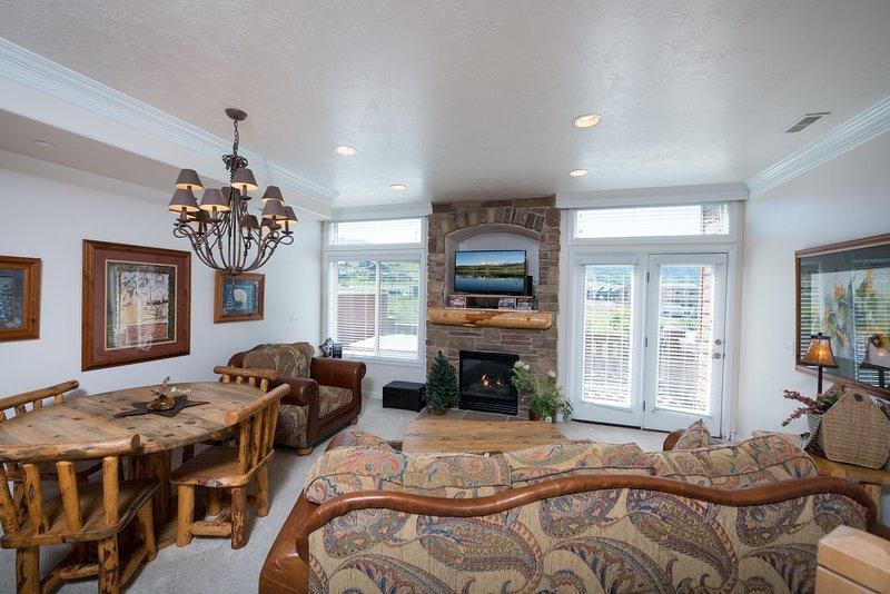 Living area/gas fireplace/tv