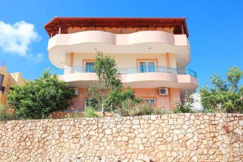 VILLA CAUSHI KSAMIL: Room 3, holiday rental in Saranda