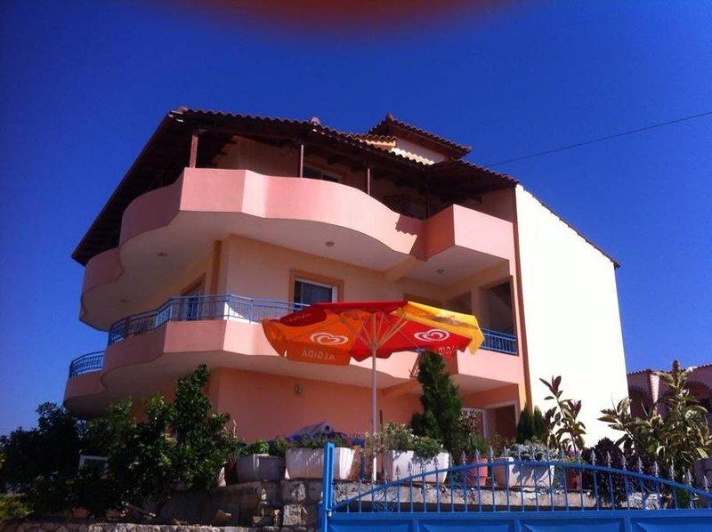 VILLA CAUSHI KSAMIL: Room 4, holiday rental in Ksamil