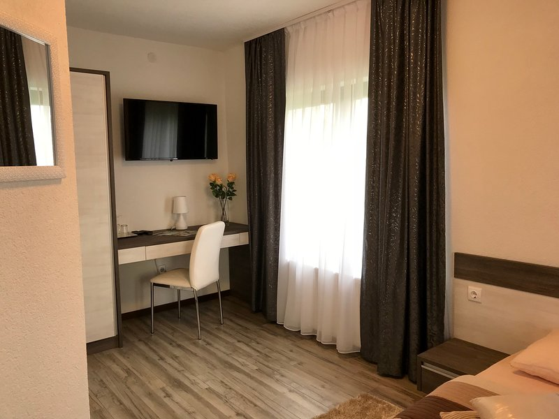 Guest House Klanfar Room 1 Plitvice Leakes, holiday rental in Grabovac