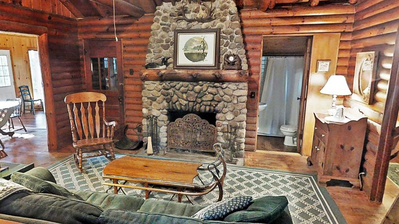 Big Trout Lake Rustic Cabin, vacation rental in Pine River