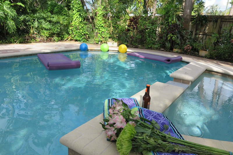 GRAF HILL HOUSE,3b/2b,Pool,Gardens,Walk to dining, holiday rental in Fort Lauderdale