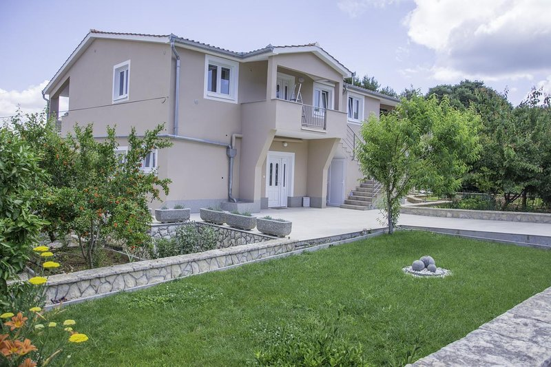 Ugrinici Apartment Sleeps 4 with Pool and Air Con - 5472253, holiday rental in Kraj