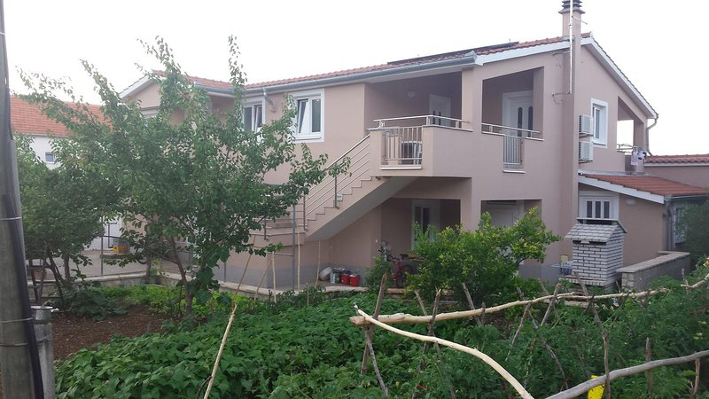 Ugrinici Apartment Sleeps 4 with Pool and Air Con - 5472257, holiday rental in Kraj