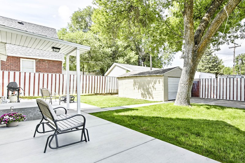 South Ogden House w/ Yard, 3 Miles from Downtown!, vacation rental in Layton