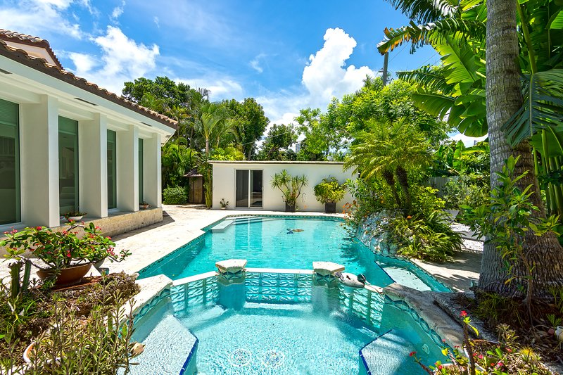 High end vacation home w pool minutes to beach updated - Summer house with swimming pool review ...