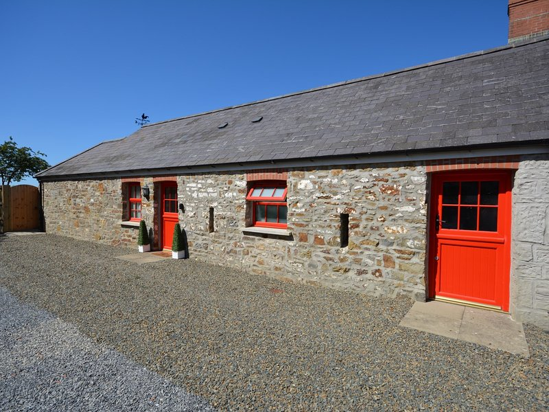 A sweet cottage all on one floor close to the coast