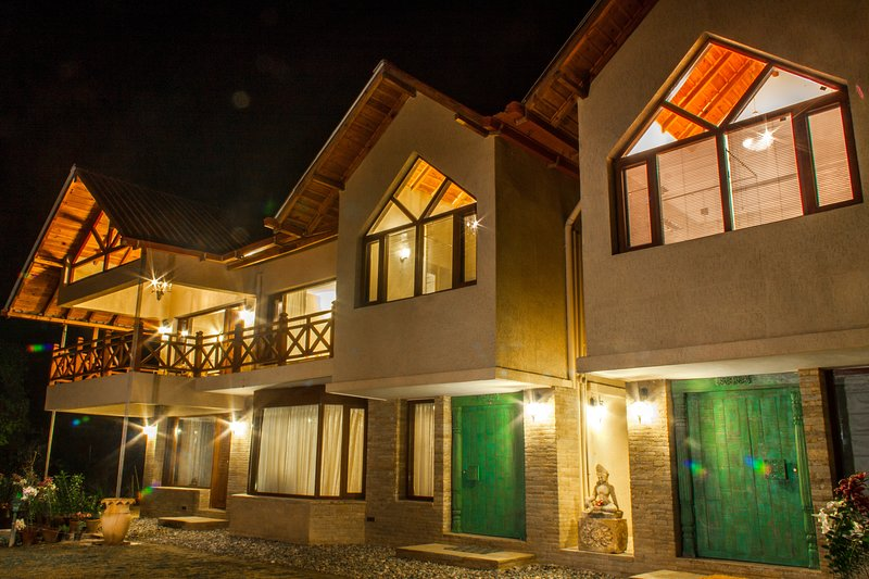 One Partridge Hill - Pura Stays, vacation rental in Jageshwar
