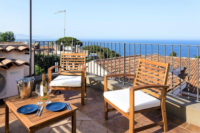 Villa - Incredible Sea View in Historic Center, vacation rental in Acireale