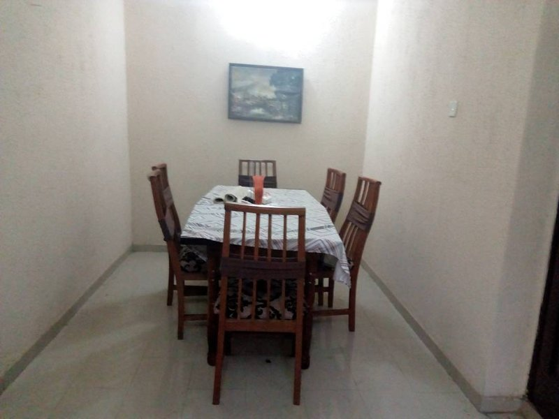 Large space apartment in desirable, safe and secure Magodo Phase 1, vacation rental in Lagos