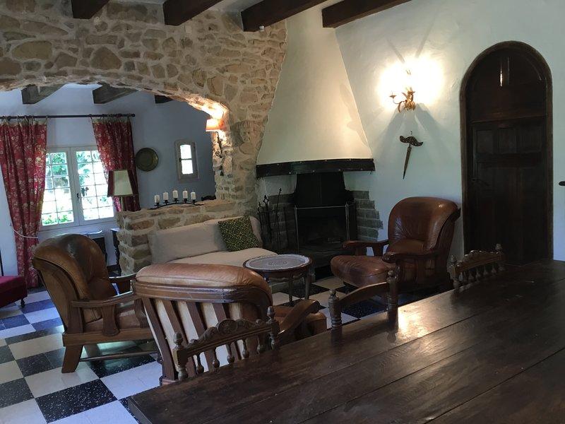 Gîte de Noyer, vacation rental in Thezan-des-Corbieres