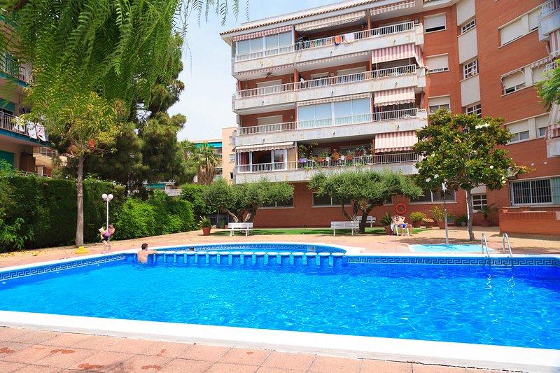Acogedor y Amplio Apartamento con Piscina y AACC · UHC BERENGUER – semesterbostad i Reus