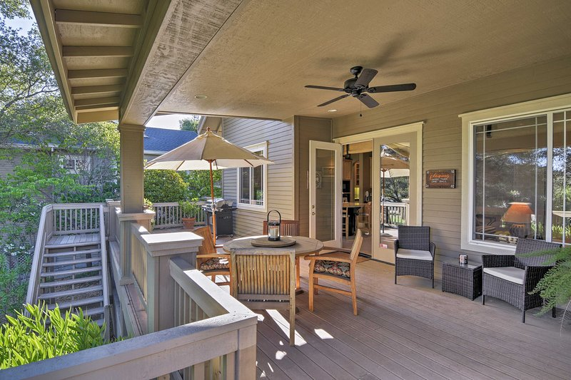 This 3-bed, 2-bath home sleeps up to 6 and boasts several outdoor living areas.