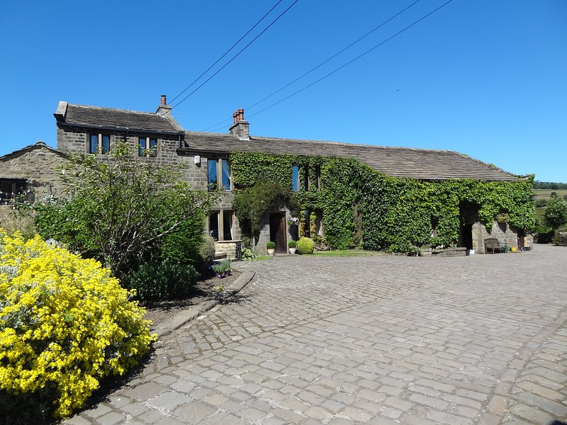 Swallow Cottage, holiday rental in Sutton-in-Craven