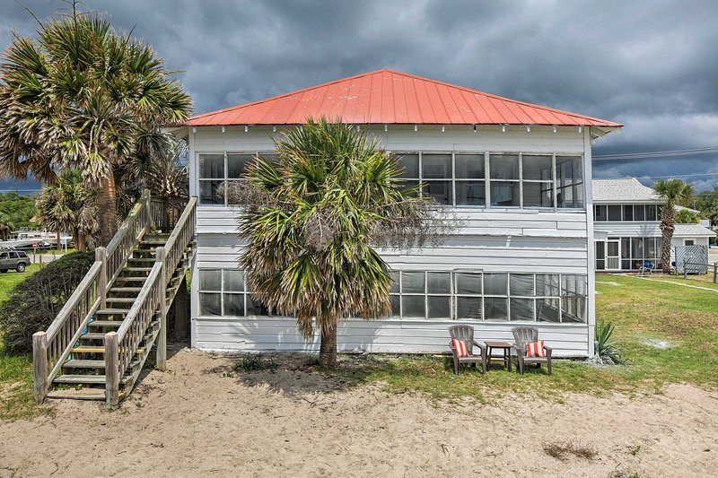 Located steps from the beach, this home for up to 10 can't be beaten.