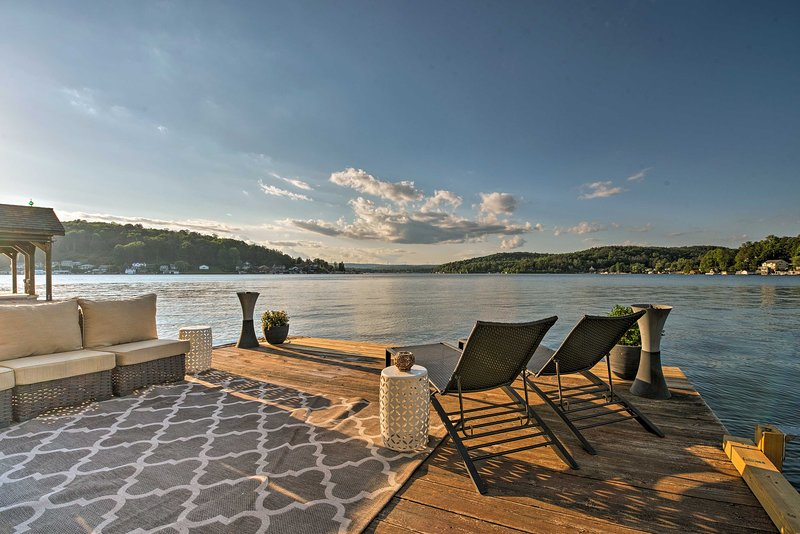 Discover Harveys Lake from this luxurious waterfront vacation rental house.