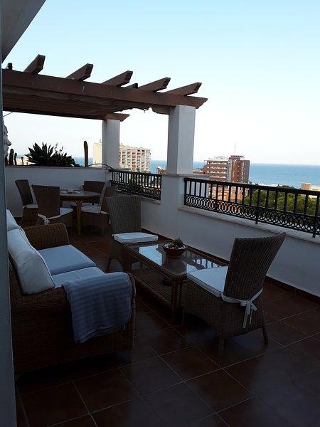 Spectacular Penthouse.  Atico con dos terrazas y grandes vistas, holiday rental in Torremolinos