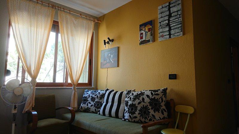 apartment 1+1, 20m from the beach, location de vacances à Comté de Durres