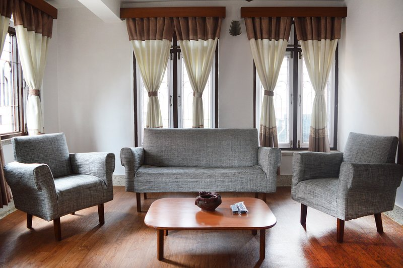 Thamel < 5 min walk 2BHK (Entire Shanti Apartment), holiday rental in Nagarjun