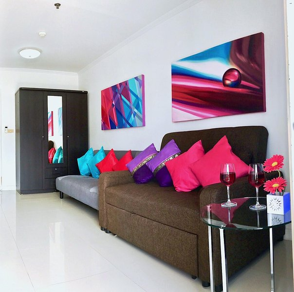 New apartment in Patong Tower 100 m. from beach, holiday rental in Patong