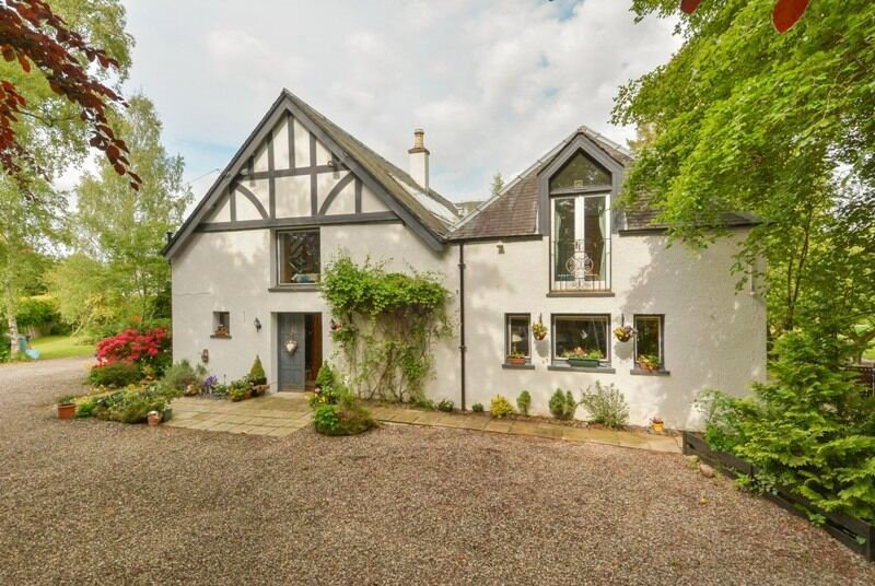The Old Coach House Blairgowrie - sleeps 10, vacation rental in Bridge of Cally