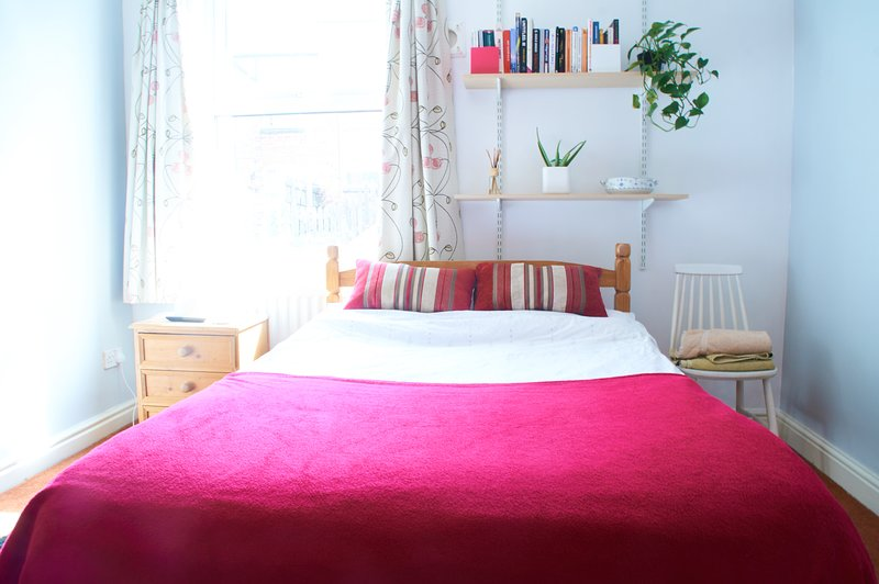 Beautiful Redecorated Double Room Free Parking, Close to City, holiday rental in Nottingham