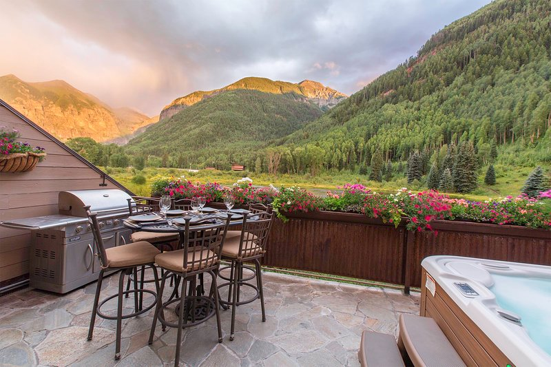 Unsurpassed views from Private Deck with BBQ & Private Hot Tub