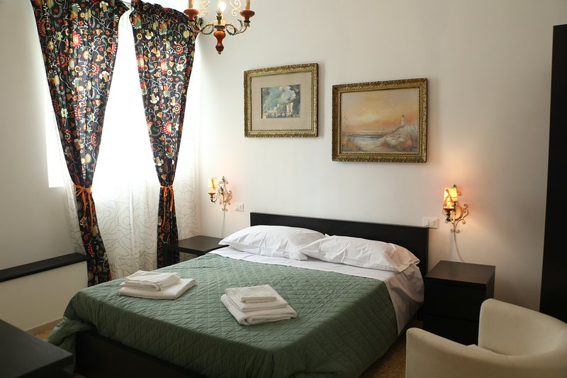 HouseInTheLight has been recently completely renovated. Each room has now its own private bathroom.