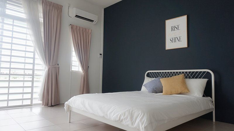 E's suite- Homestay that fits 8 pax comfortably, holiday rental in Menglembu
