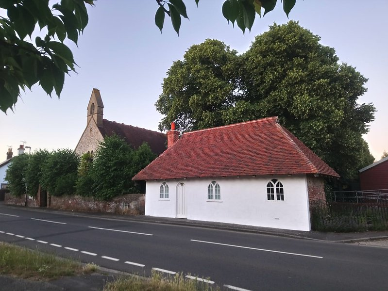 Goodwood Rental Historic 17th Century Home, vacation rental in Boxgrove