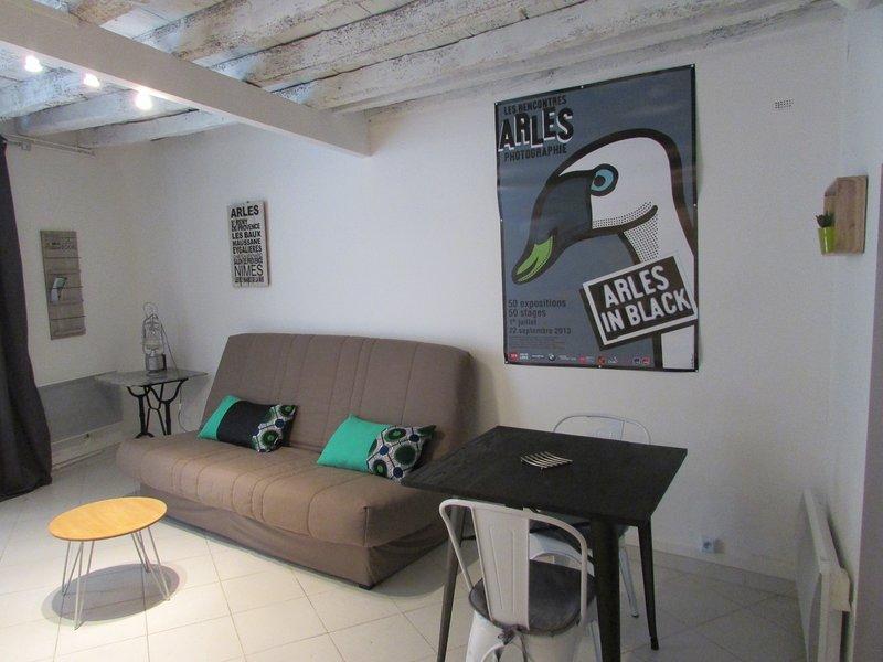 Studio typique et cosy climatisé, aluguéis de temporada em Fourques