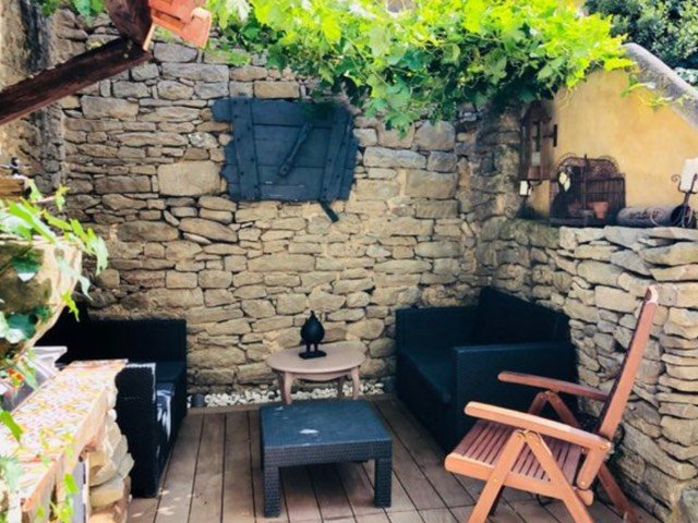 relaxation and relaxation corner under vine