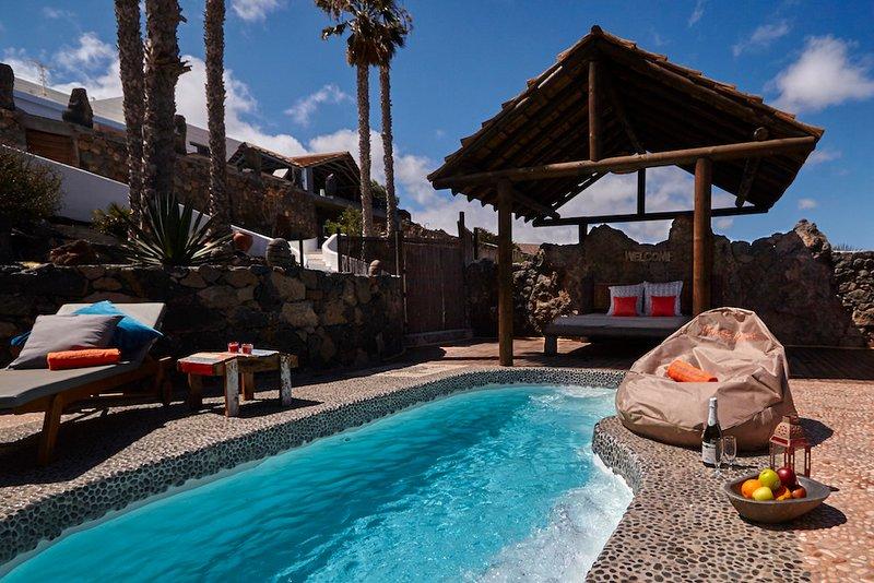 Prive-jet zwembad, zonne-energie verwarmd