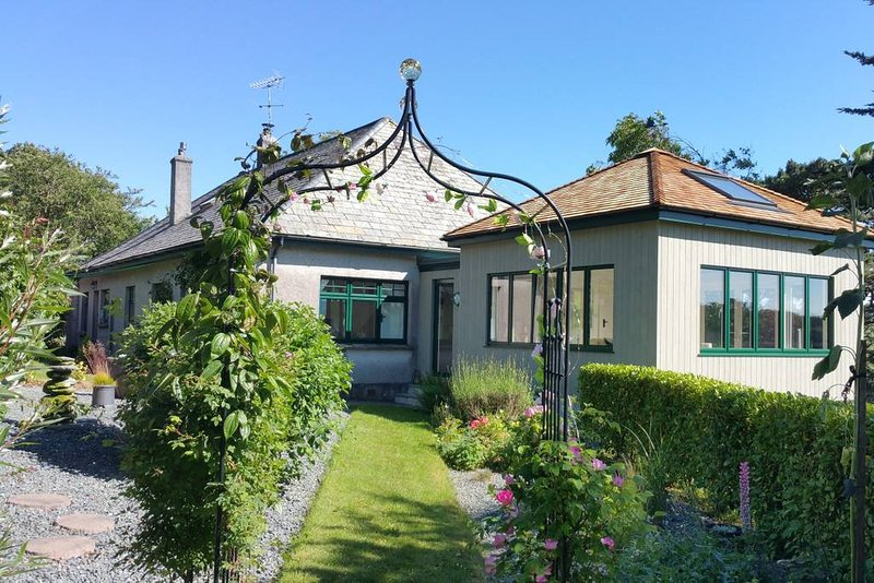 Luxury Bed and Breakfast in private apartment with patio and garden in secluded country side setting