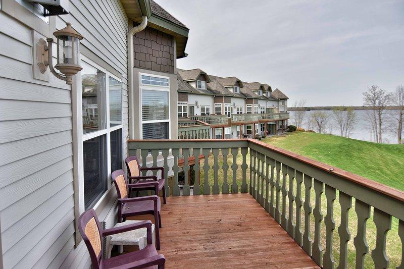 Unit 302 2 BD/ 2 BA condo, vacation rental in Rice Lake