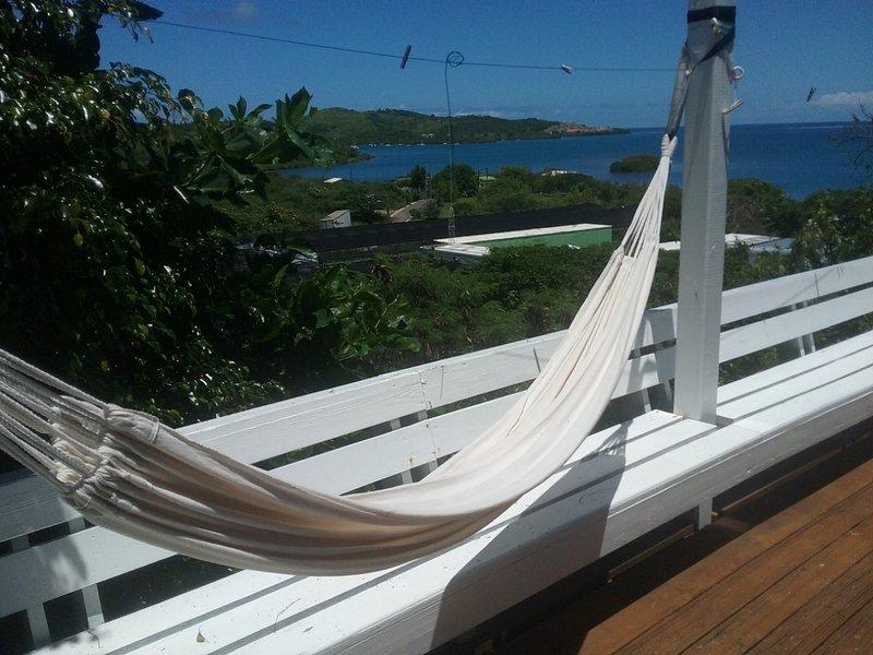 Casa Azul Beautiful Views +Beach Accessories & WiFi, vacation rental in Culebra