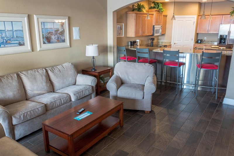 Wisconsin Dells Getaways Living Area With Kitchen #305