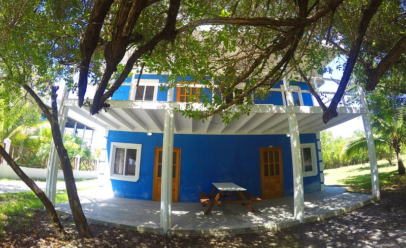 Blue Dream Seahorse apartment, casa vacanza a Utila