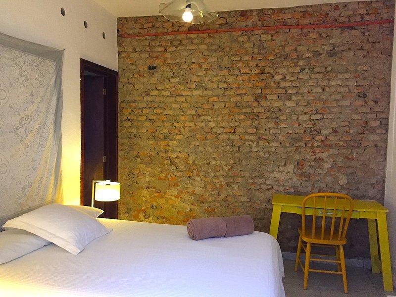 Double private room in great central patio, quiet,  Chapultepec Americana, vacation rental in Guadalajara