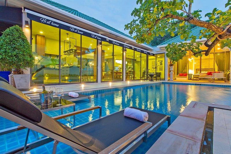 Hi At Home - 4BR Luxury Pool Villa in Pattaya – semesterbostad i Pattaya