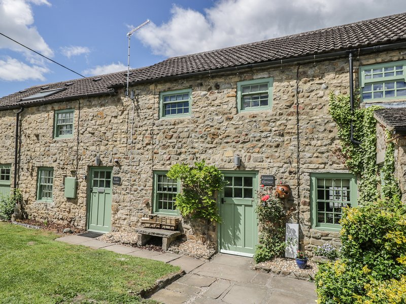 EDMUNDS COTTAGE, exposed beams, WiFi, Smart TV, in Crakehall, Ref. 971968, Ferienwohnung in Newton le Willows