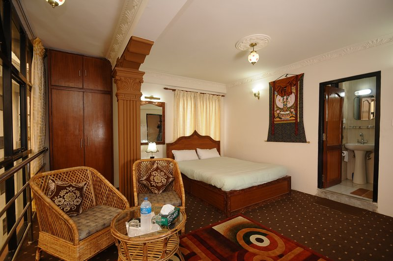 Beautiful Double Room in Hotel Manohara Pvt Ltd, vacation rental in Balthali