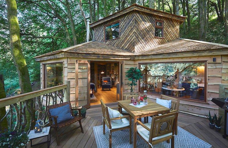 Luxurious Treehouse on the North Devon Coast, Ferienwohnung in Ilfracombe