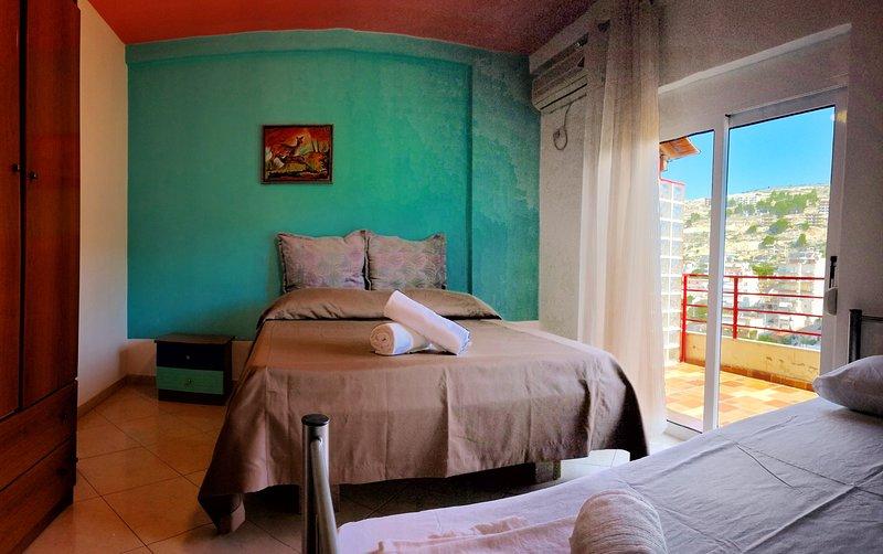 Penthouse Apartment 'Hasta la Vista', holiday rental in Piqeras