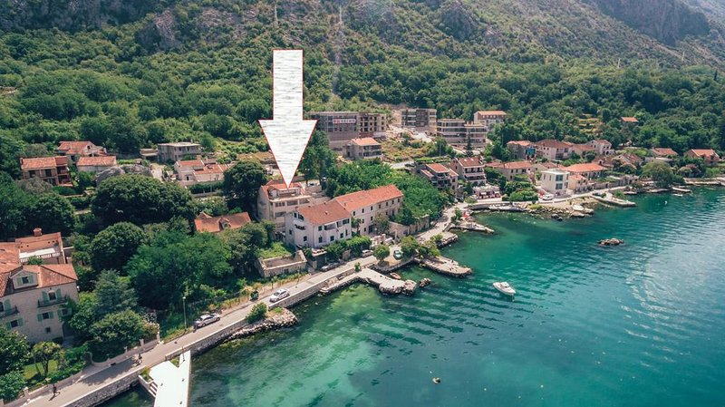 Kotorska apartment near the sea, vacation rental in Radovici