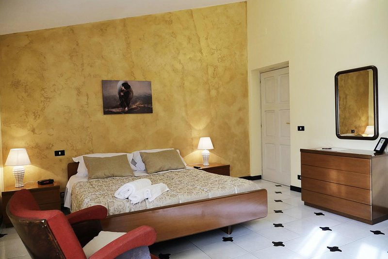Bed and Breakfast Le Anfore - Stanza 2, vacation rental in Piedimonte San Germano